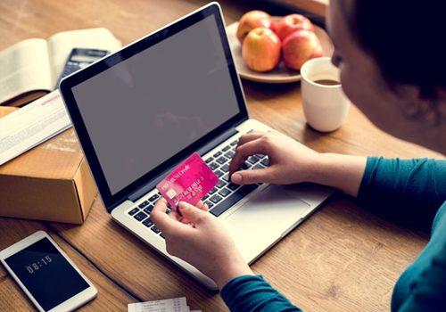 https://webmarketing.al/wp-content/uploads/2018/03/e-banking-payment-financial-connection-laptop-500x350.jpg